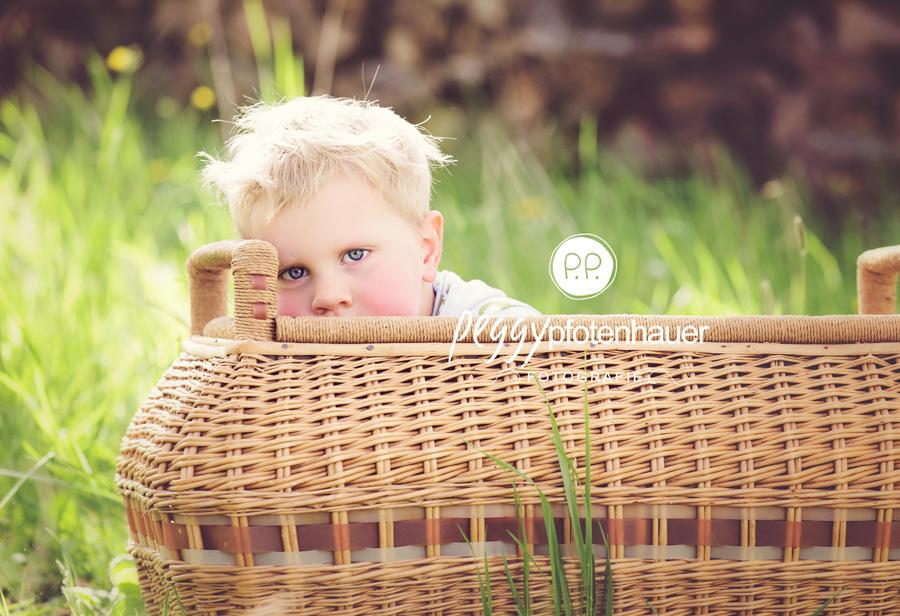 Kinderbilder Bamberg, Kinderfotos Bamberg, Kinderportraits Bamberg, Kinderfotograf Bamberg, Kirschblütenshooting, natürliche Kinderfotos, Outdoor Kinderfotos