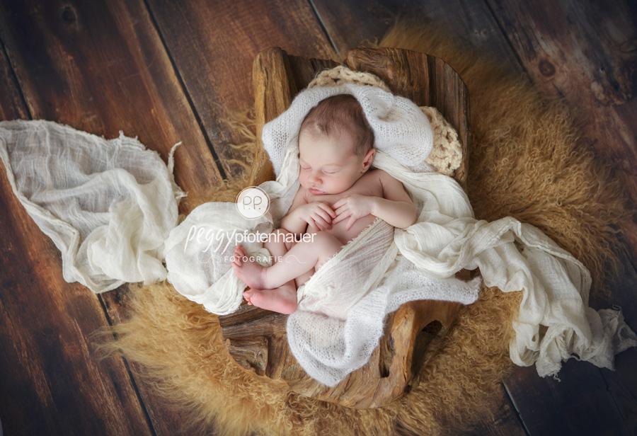 natürliche Babyfotografie Bamberg, süße Neugeborenenfotos Erlangen, Babyfotograf Forchheim, Babyfotograf Haßfurt