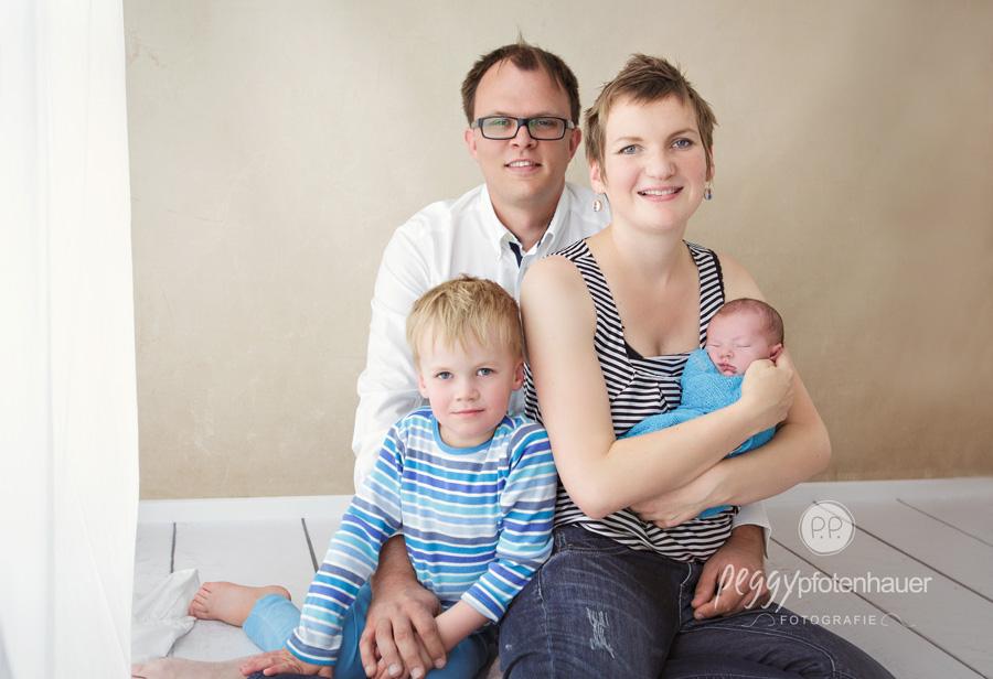 natürliche Familienfotos, natürliche Familienfotografie Erlangen, natürliche Familienfotos Erlangen, Familienfotos Erlangen, Familienfotograf Erlangen