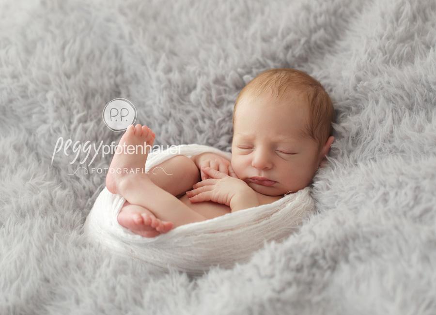 Neugeborenenfotos Bayreuth, Neugeborenenfotografie Bayreuth, süße Babybilder Bayreuth
