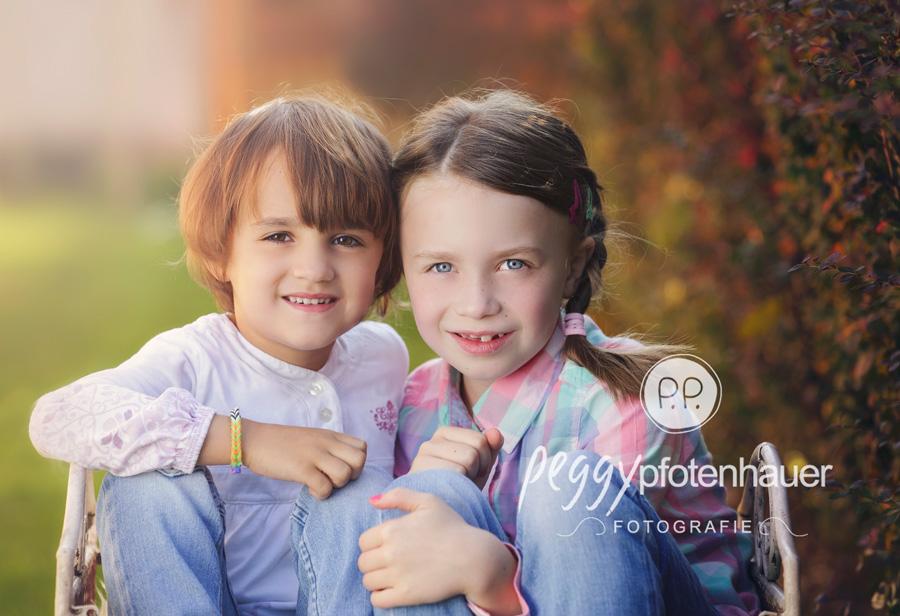 Geschwisterbilder Bamberg, Geschwisterfotos Bamberg, Geschwisterfotografie Eralangen, Schwestern Fotos