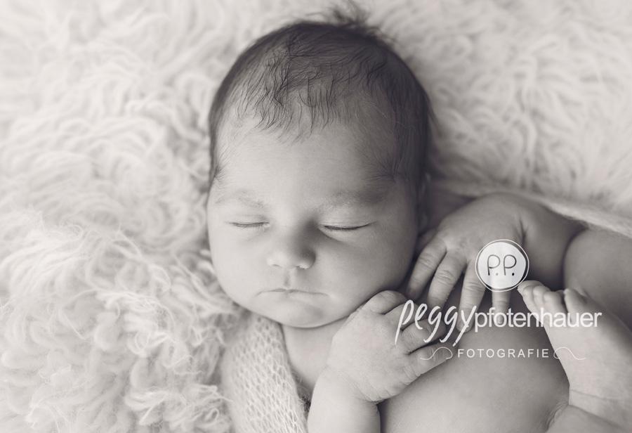 Neugeborenenfotografie Bamberg, Babyshooting Bamberg, Babyfotograf Erlangen, süße Babybilder Würzburg, süße Neugeborenenbilder Bayreuth