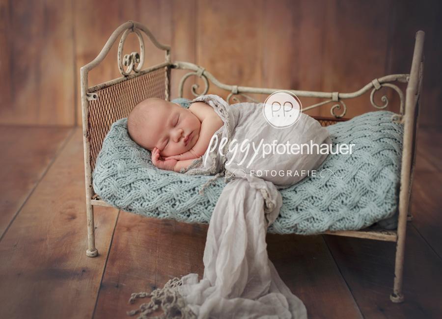 natürliche Neugeborenenfotos Bamberg, Babyfotograf Erlangen, Babyfotos Erlangen