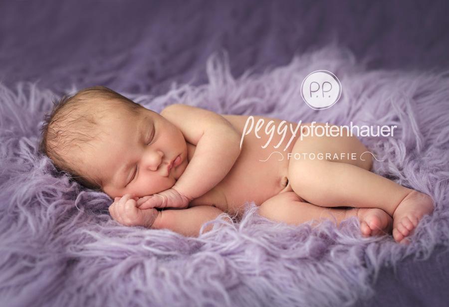süße Neugeborenenbilder Bamberg, natürliche Babyfotos Erlangen, Babyfotografie Würzburg, Babyfotograf Bamberg