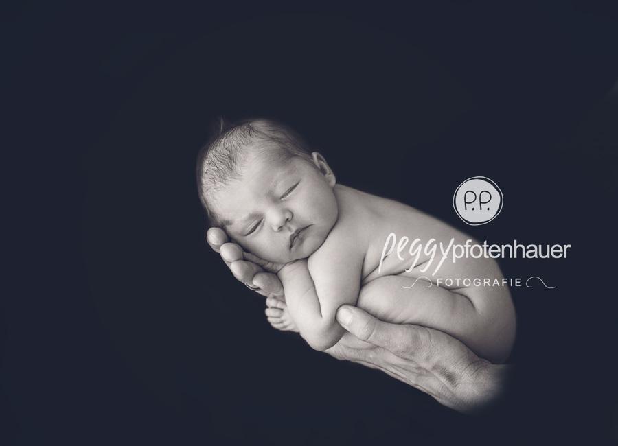 zarte Babybilder Bamberg, Neugeborenenfotos Erlangen, Neugeborenenfotografie Schweinfurt, Babyfotos Würzburg