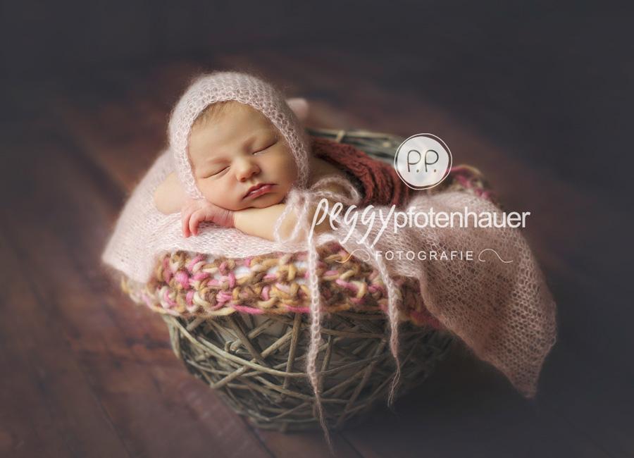 Babyfotos Bayreuth, Babyfotograf Bayreuth, Neugeborenenfotografie Bamberg, neugeboren in Forchheim