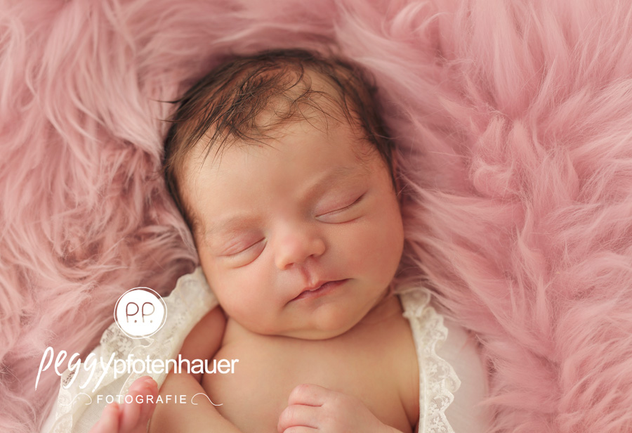 Neugeborenenfotografie Bamberg, Neugeborenenfotograf Erlangen, Babyfotos Bayreuth, Babyfotografie Haßfurt