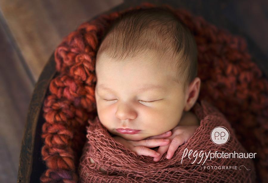 neugeboren in Forchheim, Neugeborenenbilder Bamberg, Babyfotograf Forchheim, Neugeborenenfotos Forchheim
