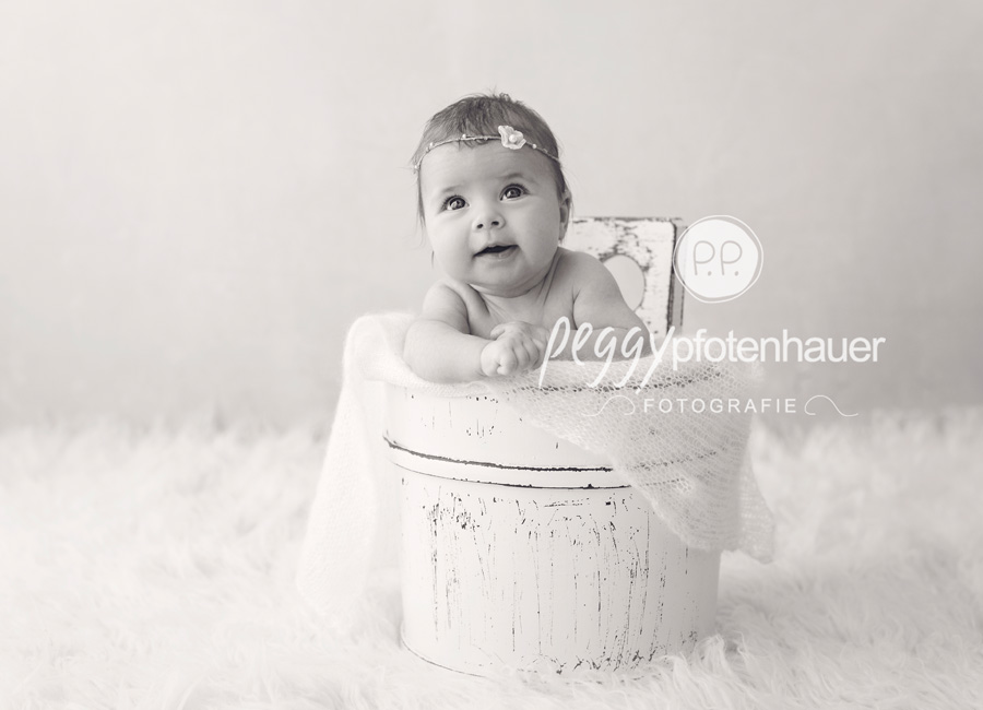 Babyfotografie Franken, Babyfotos Erlangen, Babyfotograf Würzburg, natürliche Babybilder Bamberg