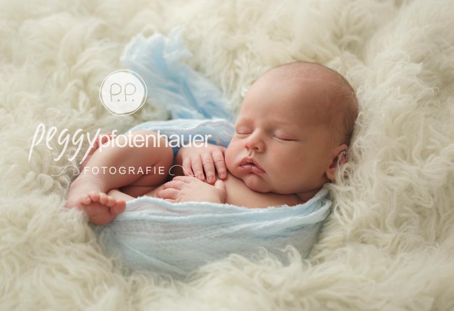 Babyfotos Erlangen, Babyfotograf Bamberg, moderne Neugeborenenfotografie Oberfranken, Babyfotos Bayern