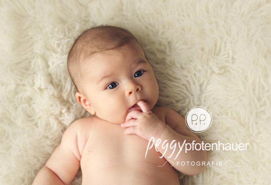 Babyfotos Erlangen, Babyfotograf Schweinfurt, niedliche Babyfotos Forchheim, Babyfotograf Coburg