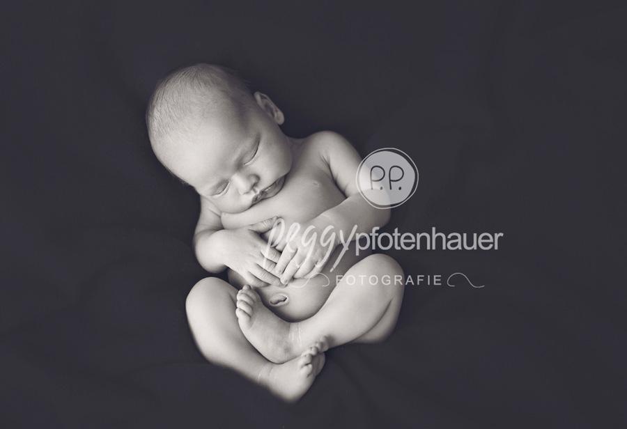 moderne Neugeborenenfotos Bamberg, Neugeborenenfotograf Erlangen, süße Babyfotos Bamberg,Fotograf Bamberg