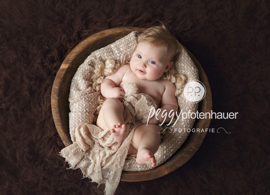Babyfotograf Würzburg, Babyfotografie Bamberg, niedliche Babyfotos Schweinfurt