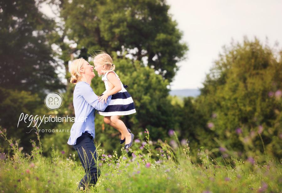 Kinderfotograf Bamberg, Familienfotografie Bayern, natürliche Familienfotos Bayern, besondere Familienfotos Bamberg