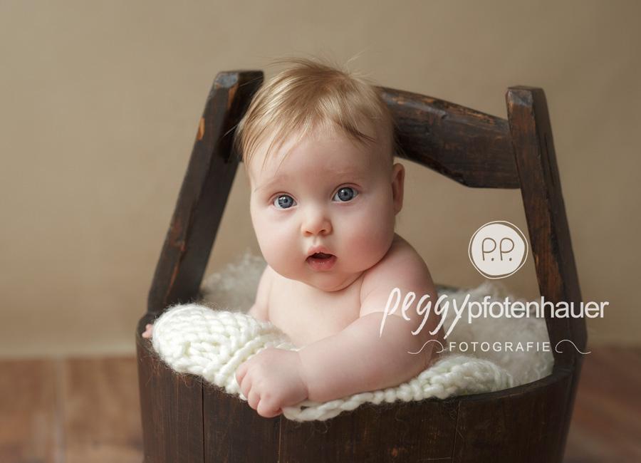 moderne Babyfotografie Bamberg, Babyfotos Erlangen, Babyfotograf Bayreuth