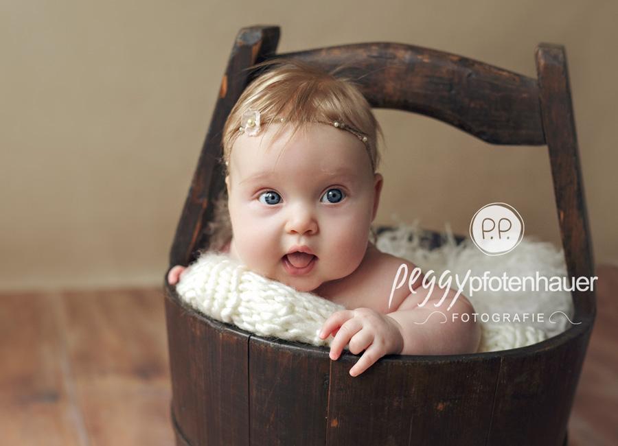 niedliche Babyfotos Bamberg, Babyfotografie Bayreuth, Anne Geddes Stil