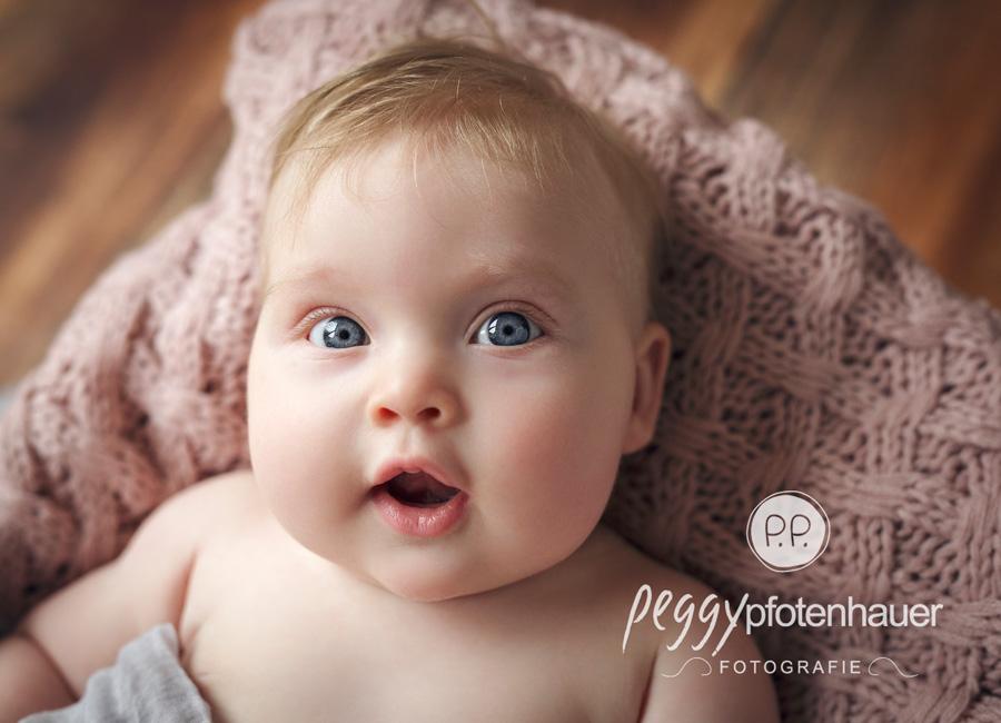 niedliche Babyfotos Erlangen, Babyfotograf Coburg, Babyfotos Erlangen