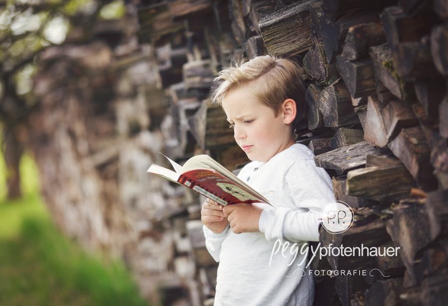 Jungsportraits Bamberg, Jungsbilder Oberfranken, natürliche Kinderfotos Bamberg, ungestellte Kinderportraits Erlangen, Kinderfotografie Bamberg