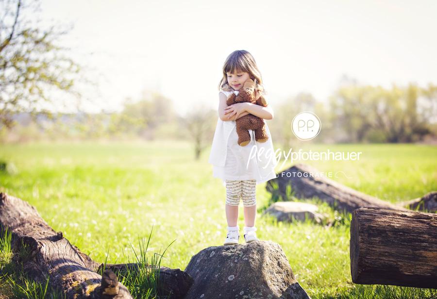 Kinderfotograf Erlangen, Kinderbilder Bamberg, natürliche Kinderfotografie Bamberg, ungezwungene Kinderbilder Bayern