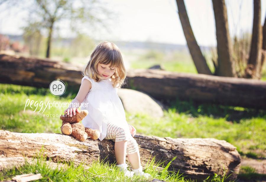 Kinderfotos Bamberg, natürliche Kinderfotografie Erlangen, Kinderfotos in der Natur