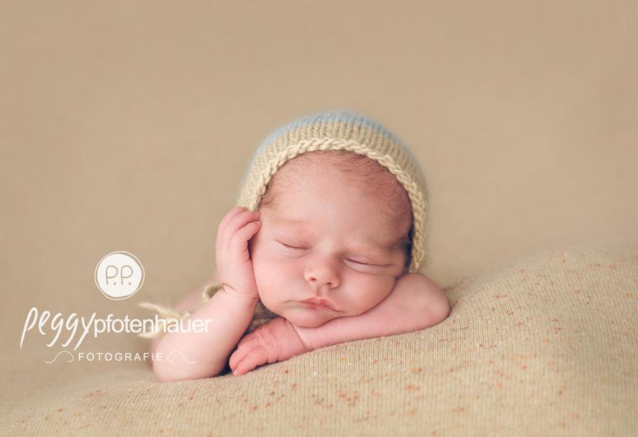 neugeboren in Haßfurt, Neugeborenenfotograf Coburg, Babyfotos Bamberg