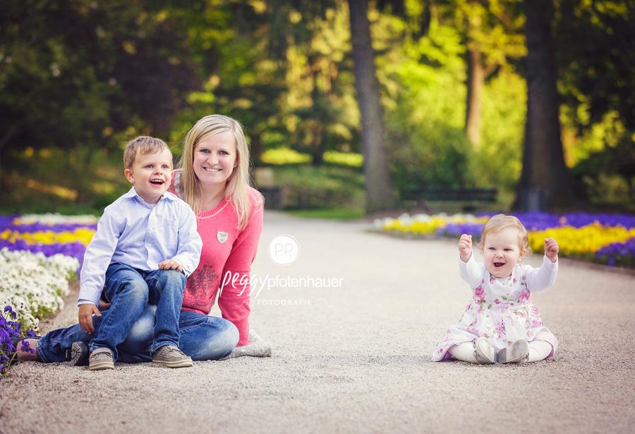 Familienbilder mit Herz, Familienfotograf Oberfranken, besondere Familienbilder, natürliche Familienfotos Bamberg