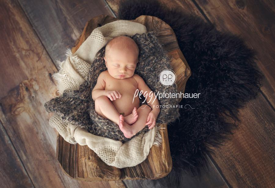 Neugeborenenbilder mit Gefühl, zarte und individuelle Babyfotos, Babyfotos ganz individuell