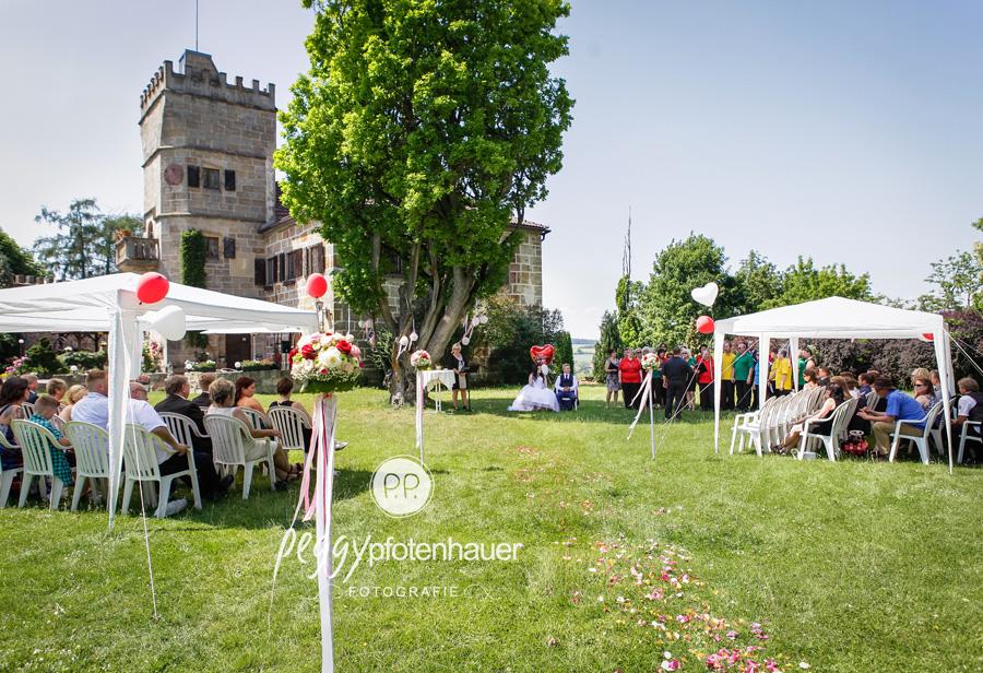 freie Trauung, Hochzeitsfotografie im Freien