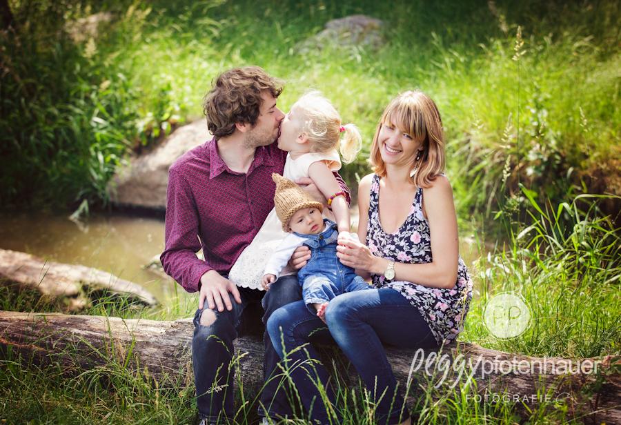 Familienportraits Bamberg, ungezwungene Familienbilder Coburg, Familienfotograf Bayreuth