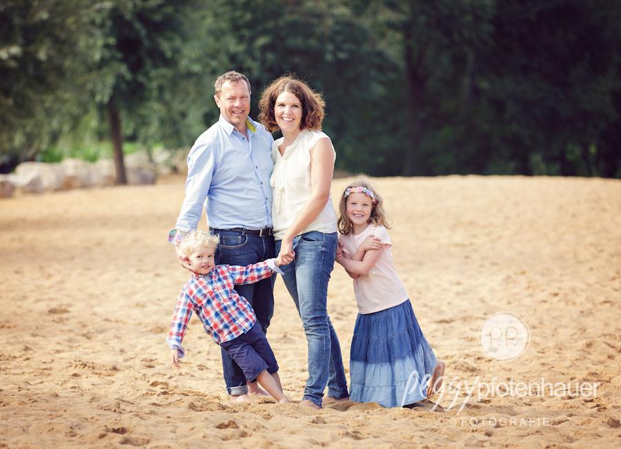 Familienfotos in der Natur, ungezwungene Familienfotos