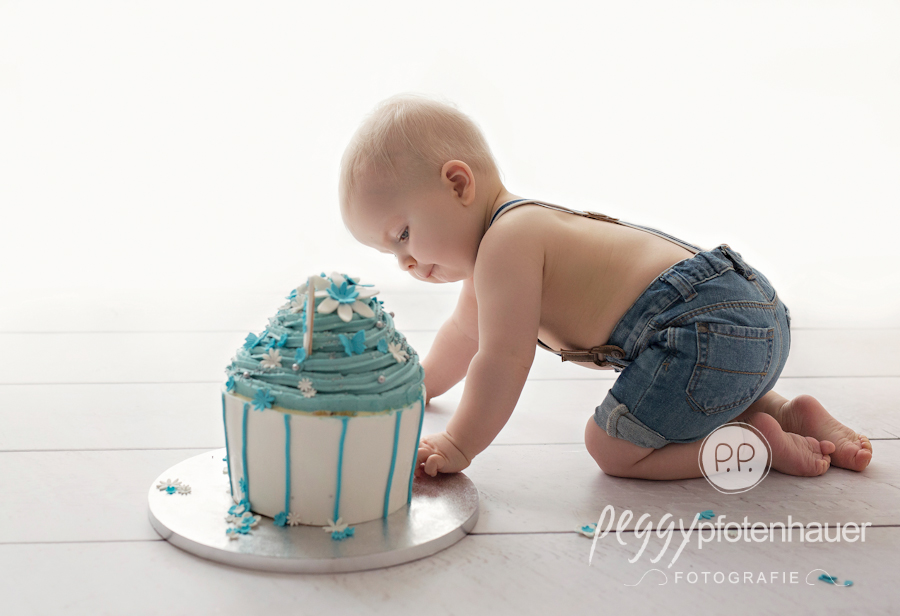 Kinderfotos Bamberg, Fotograf Bamberg, Cake Smash Shooting Forchheim