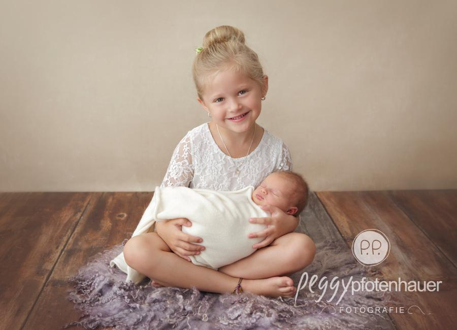 geschwisterfotos-bamberg-babyfotos-coburg-geschwisterfotografie-oberfranken