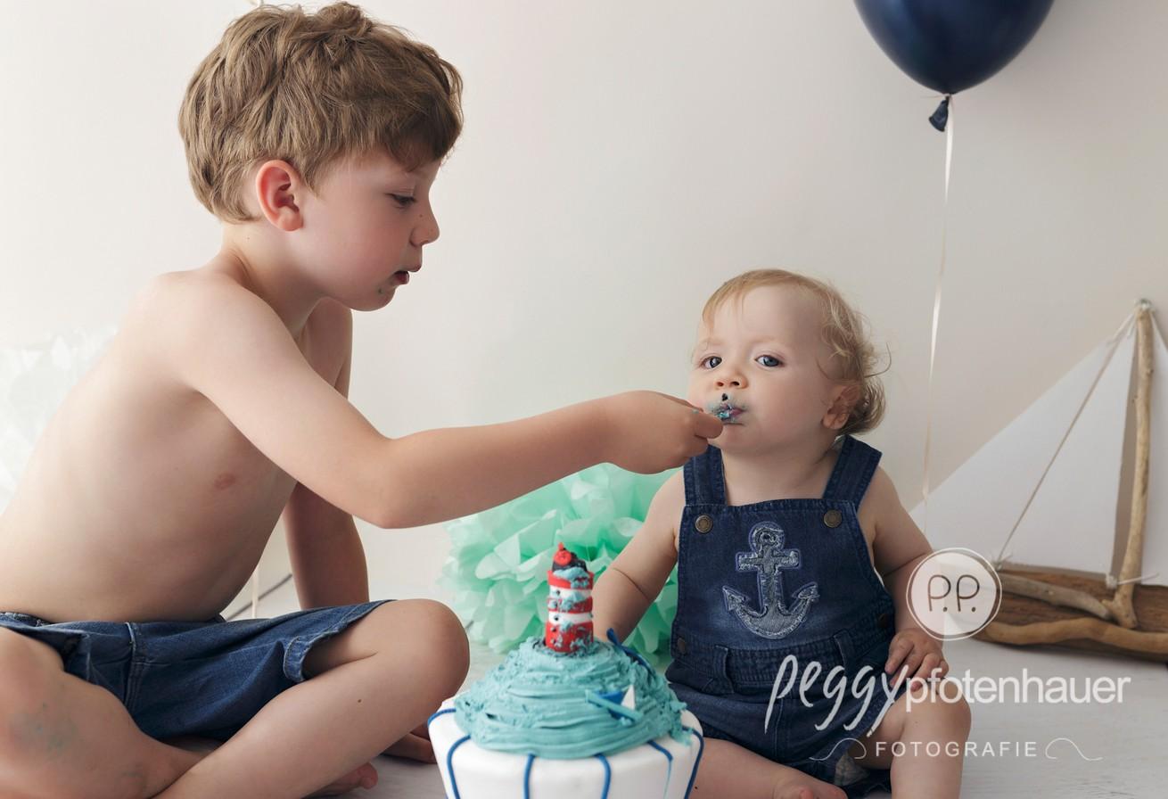 Cake Smash Shooting - Fotografin Peggy Pfotenhauer