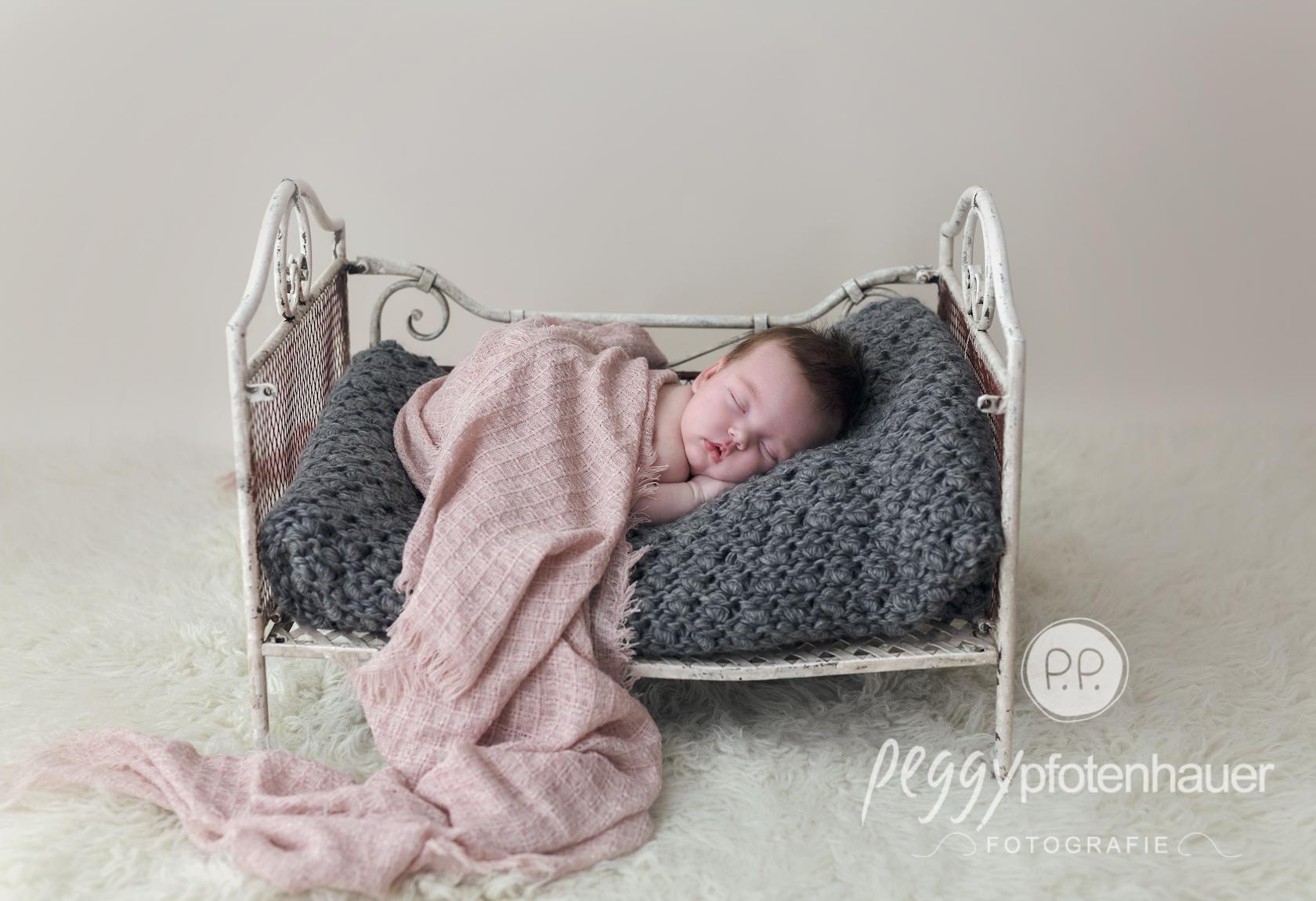 Neugeborenenbilder Bayreuth - Peggy Pfotenhauer Fotografie