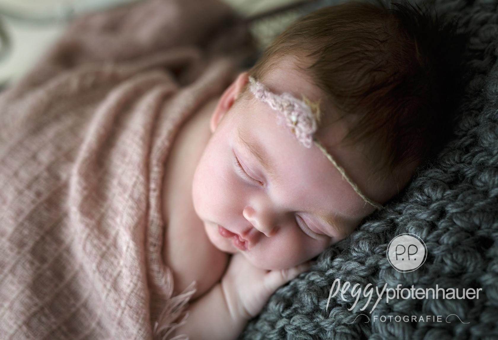 Neugeborenenfotograf Bamberg - Peggy Pfotenhauer Fotografie