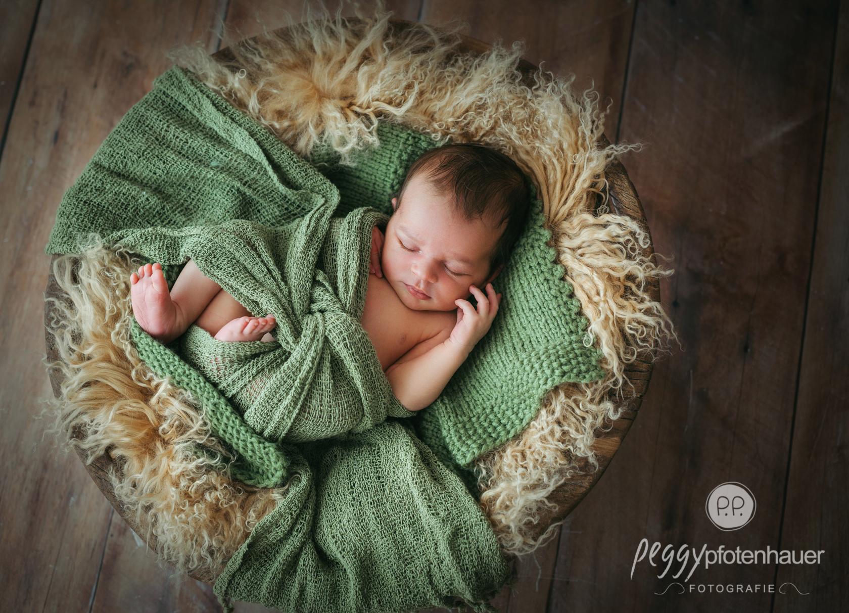 Babyfotos in den ersten Tagen