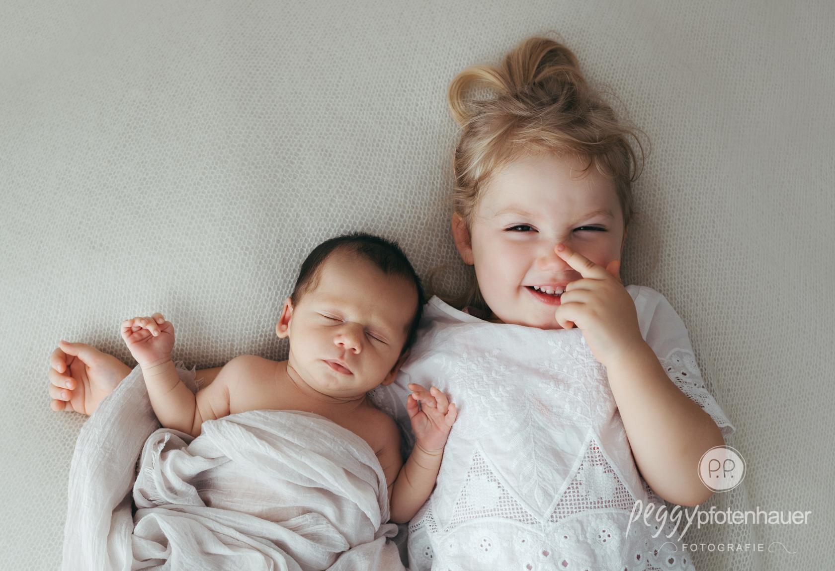 Babybilder mit Geschwistern