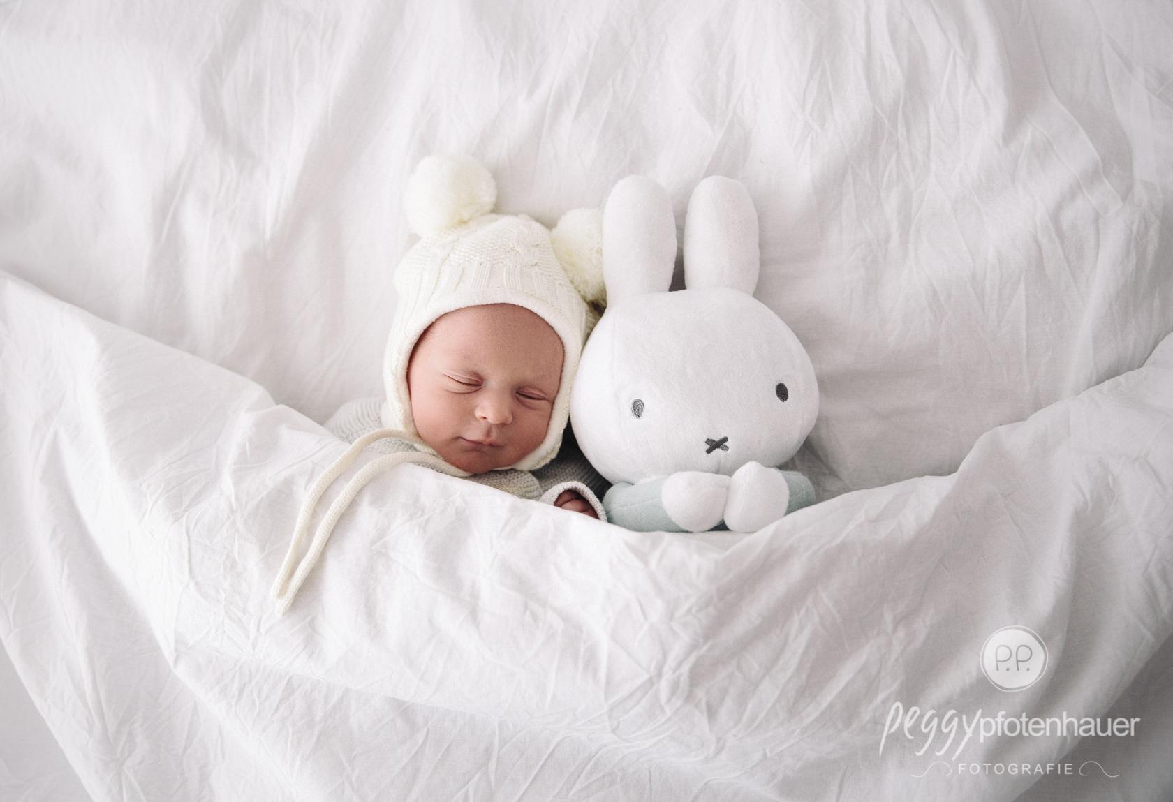 süße Neugeborenenbilder