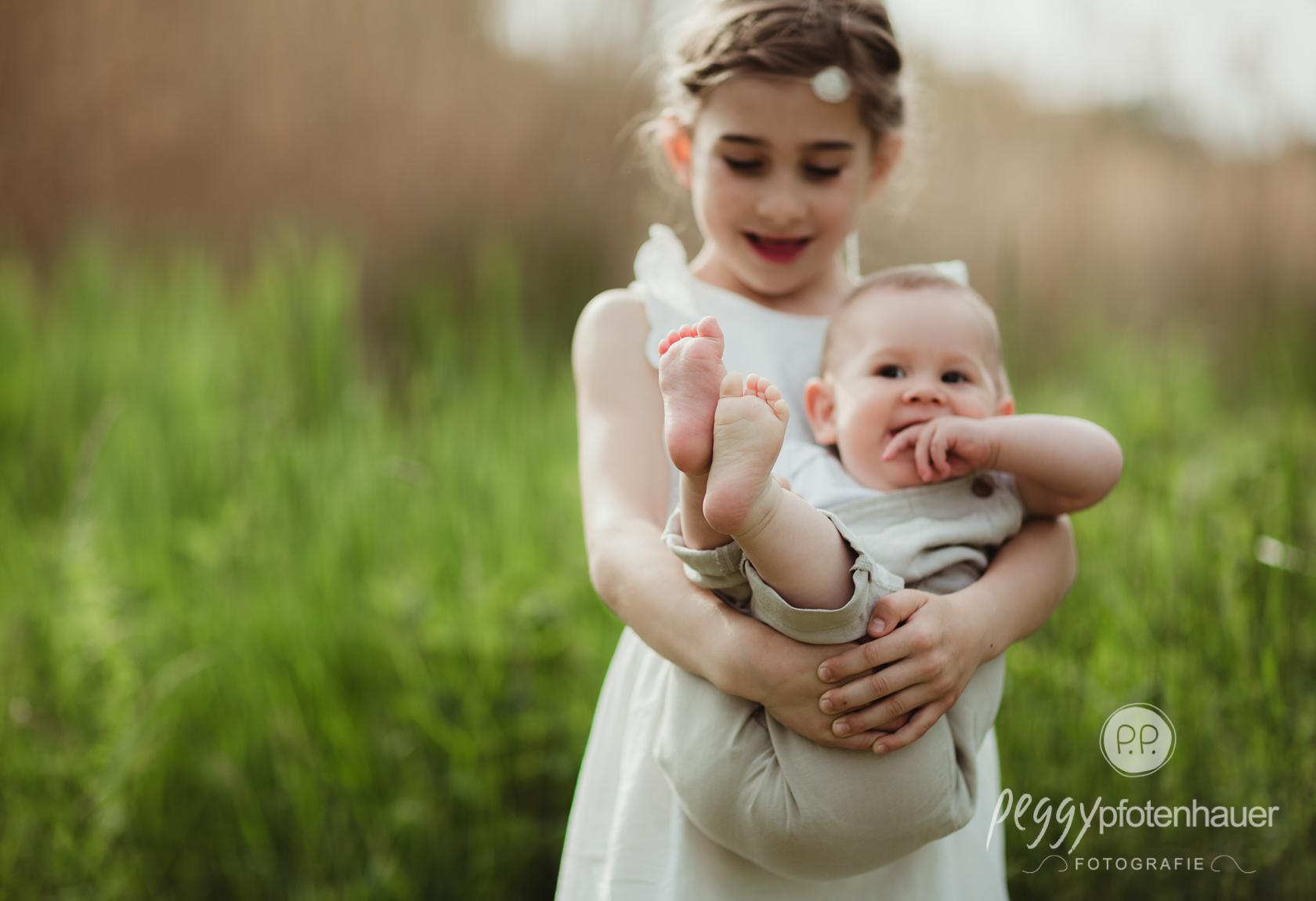 Kinderbilder mit Geschwistern