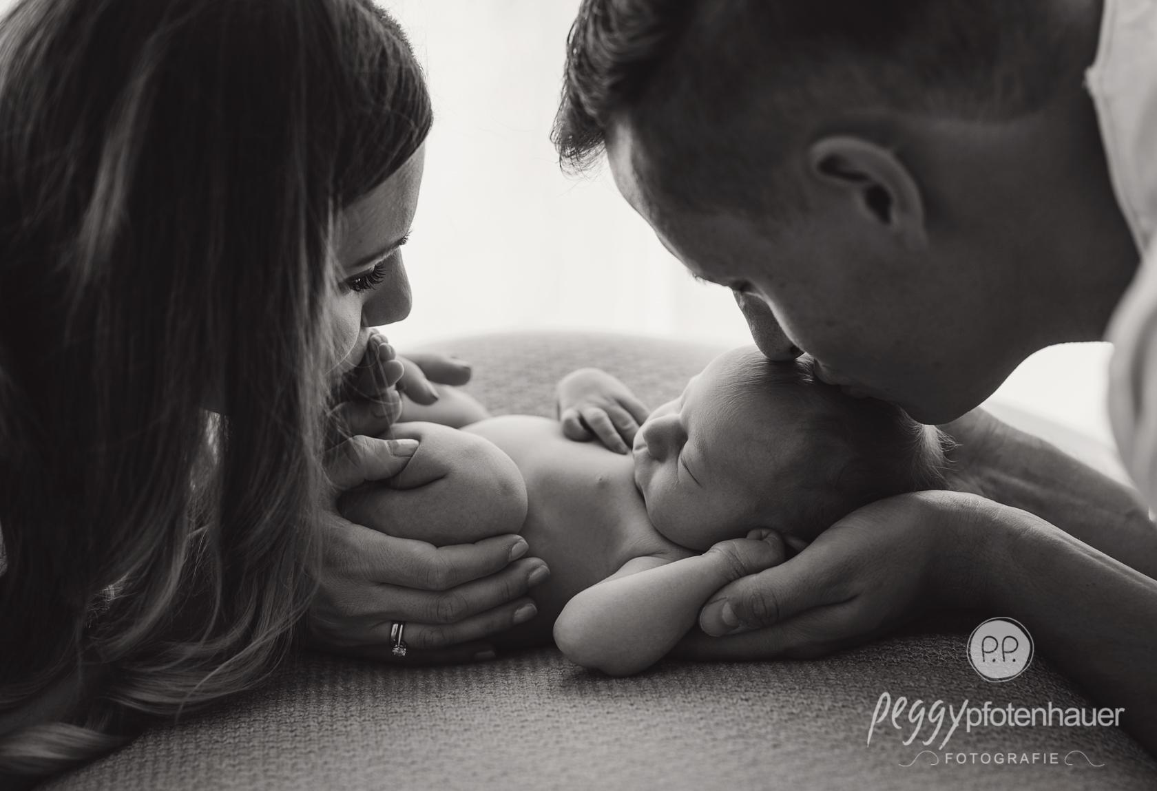 gefühlvolle Neugeborenenbilder