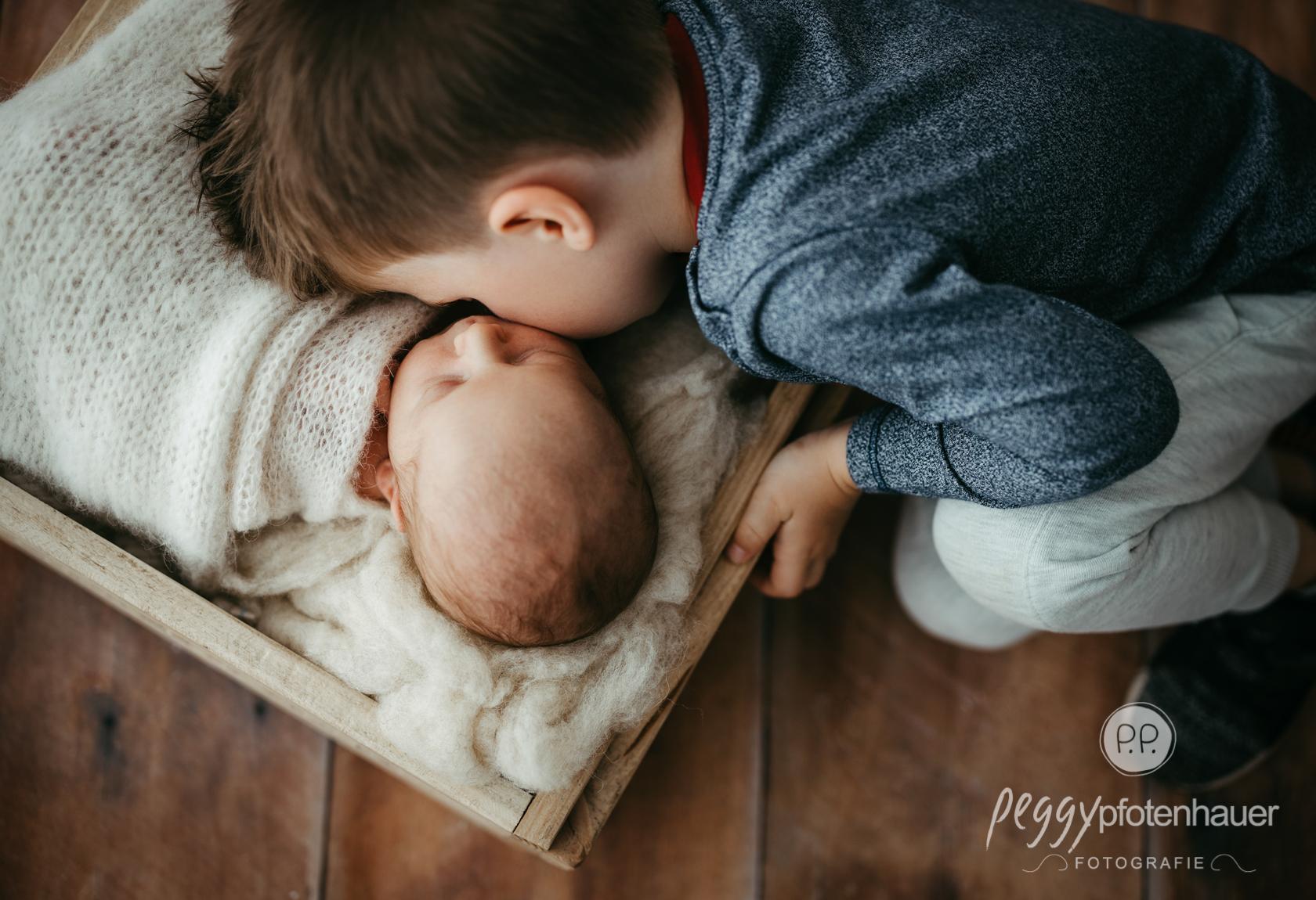 Neugeborenenfotos im Fotostudio Erlangen