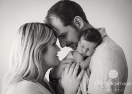 Familienfotos mit Newborn