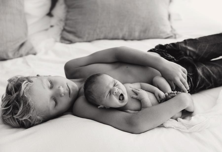 Geschwisterfotos mit Baby
