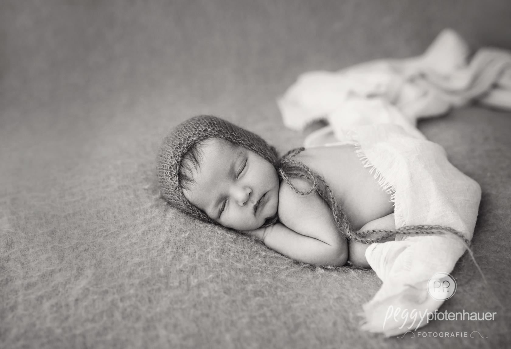 zeitlose Neugeborenenbilder