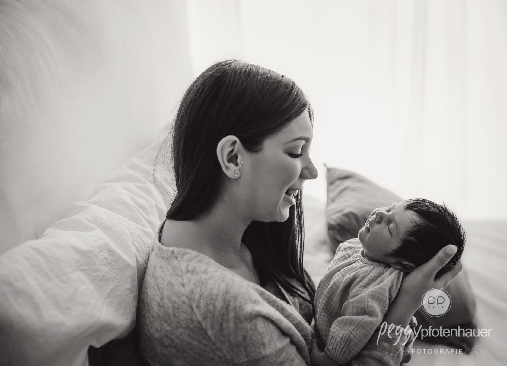 Newbornbilder mit Mama