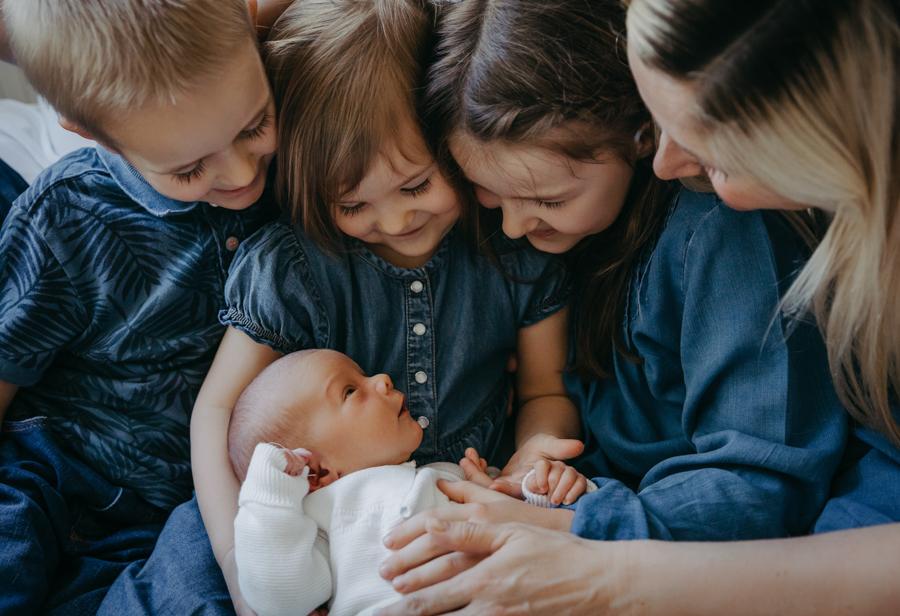 Geschwisterbilder mit 4 Kindern