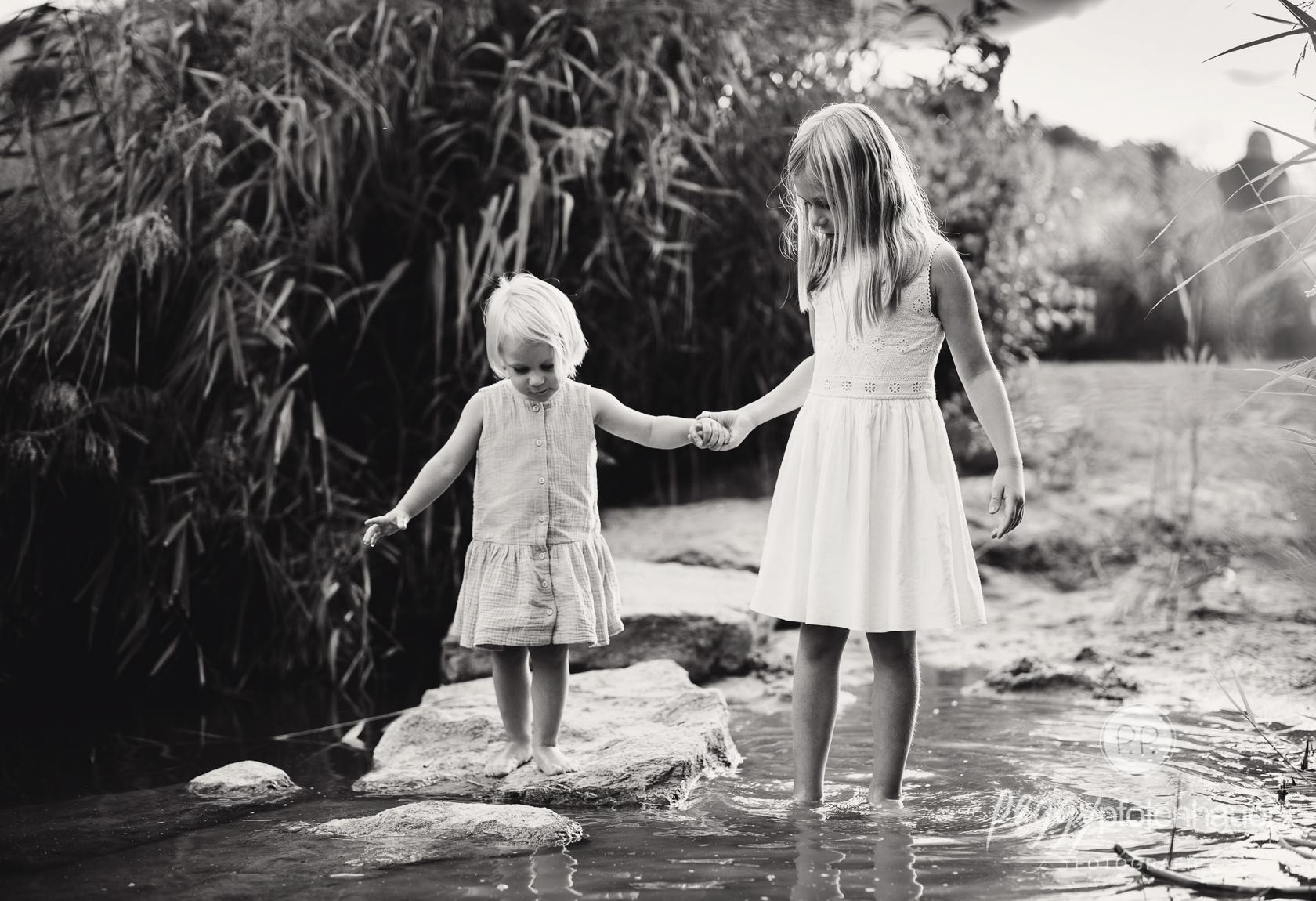authentische Geschwisterbilder