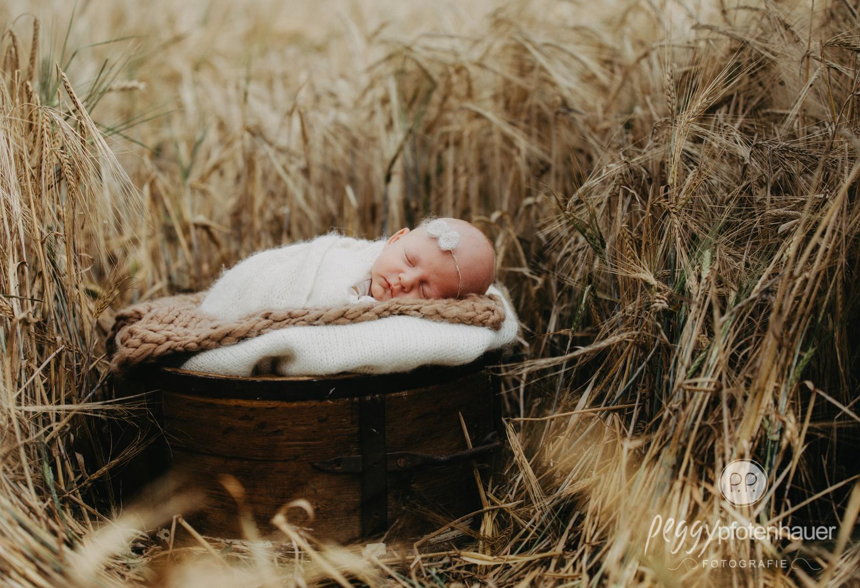 Newbornfotos outdoor